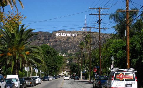 C:\Users\Hp\Desktop\la-hollywood-sign1-angela-700x444-915ac82a.jpg