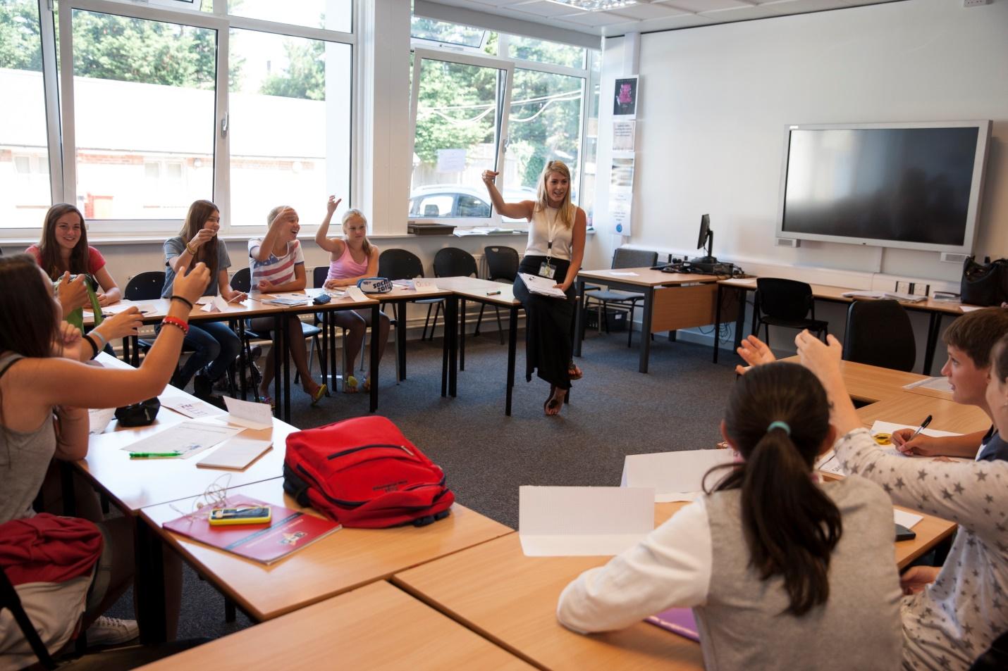 CES - Centre of English Studies / Worthing | JuniorCourses.com