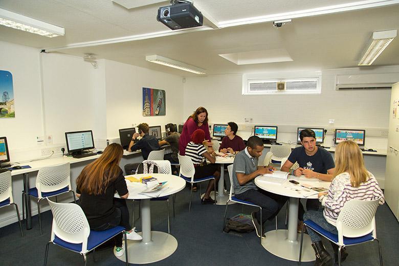 Kaplan English School in Cambridge image 11