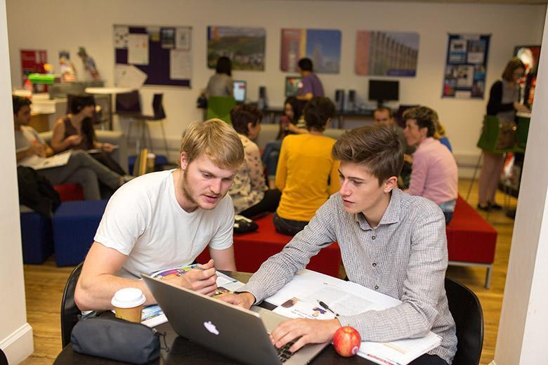 Kaplan English School in Edinburgh image 1