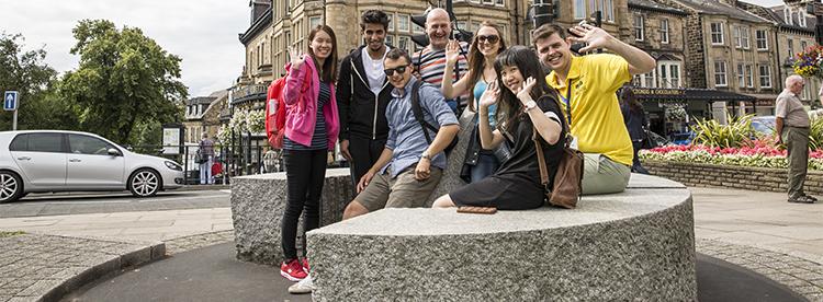 Oxford da Konaklamalı İngilizce Yaz Kampı | CES
